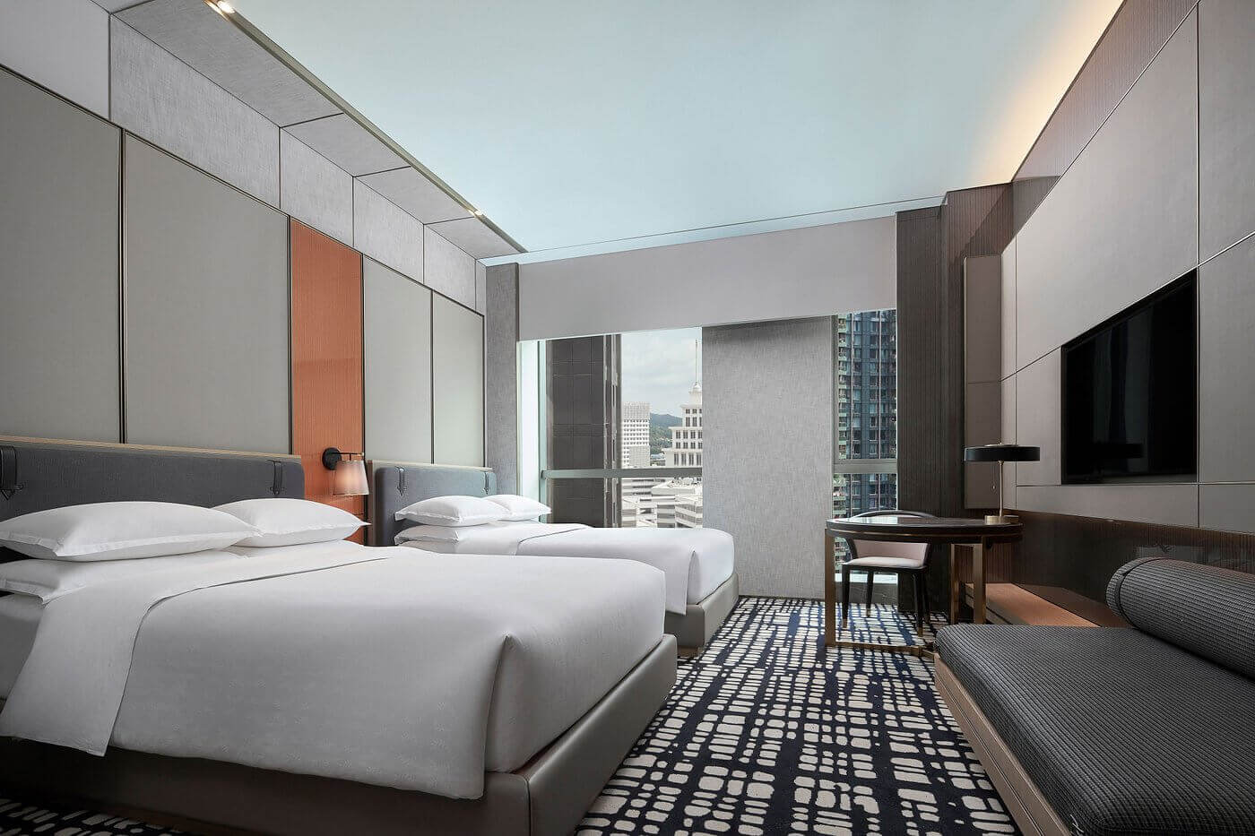 club-twin-guest-room