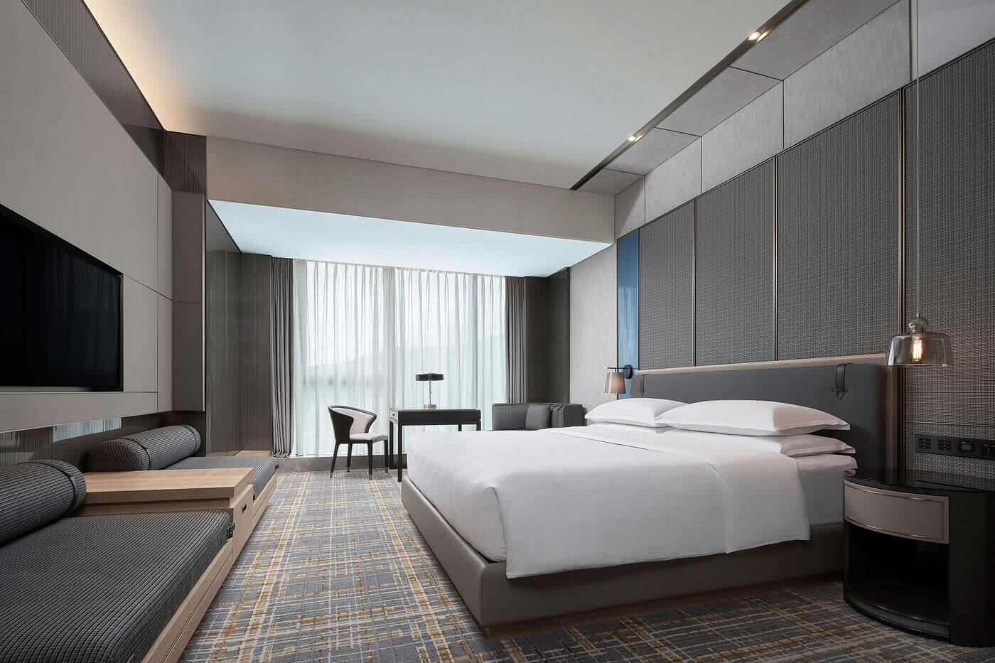 king-deluxe-guest-room
